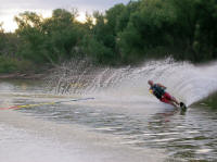 Lake Whitney Vacations – Water skiing